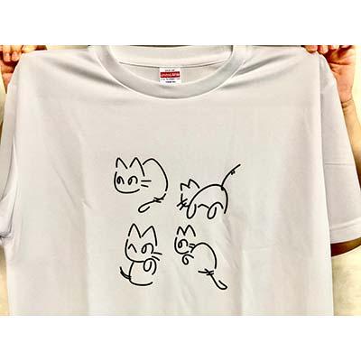 プリント図柄は、オリジナルではなく、ネットで拾ったイラストを借りたものです。 なのでもともと自分個人趣味用にワンオフで作りました。 ネットで夜に注文してから翌々日の午後にはTシャツが出来上がって届きました。 仕上がりも文句なしの出来です。【70代・男性・Miata さん】