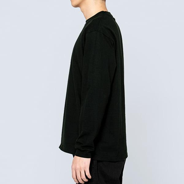 男性モデル身長180㎝/Lサイズ/ブラック着用/サイドシルエット