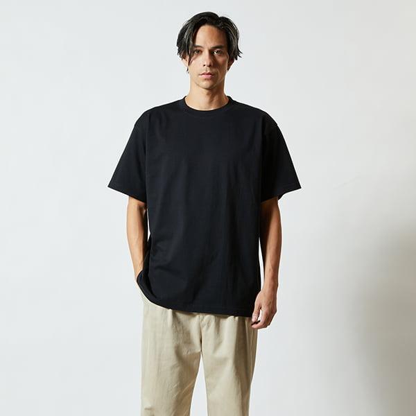 モデル身長182㎝/XLサイズ/ブラック着用/正面シルエット