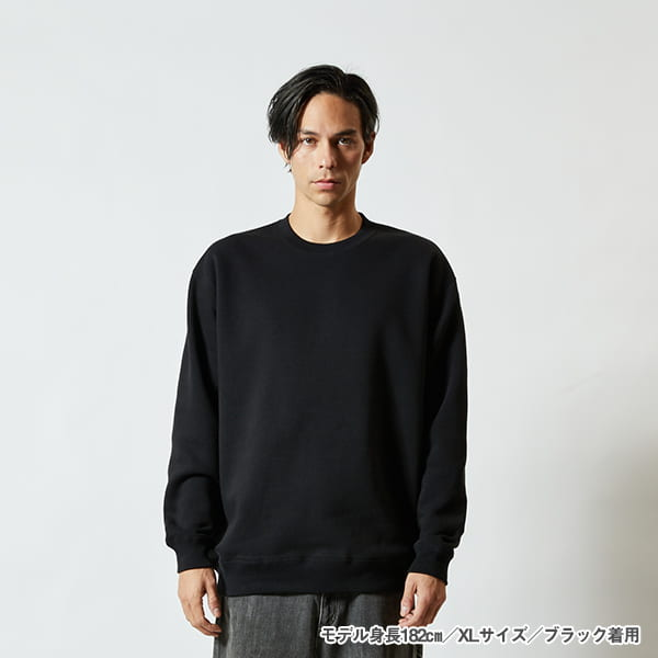 モデル身長182㎝/XLサイズ/ブラック 着用/正面シルエット