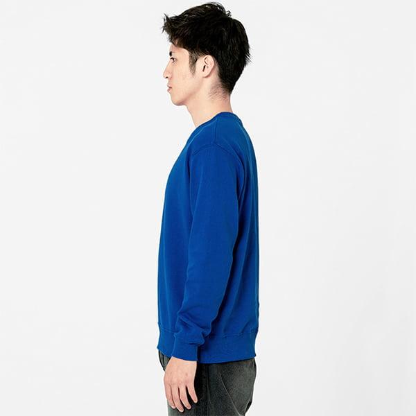 モデル身長180㎝/Lサイズ/ブルー着用/サイドシルエット