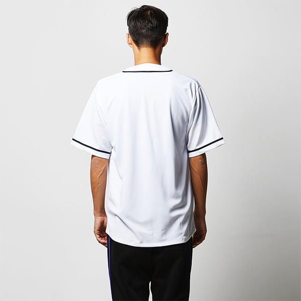 モデル身長182㎝/Lサイズ/ホワイト・ネイビー着用/背面シルエット