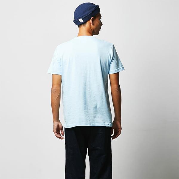 モデル身長182㎝/Lサイズ/ライトブルー着用/背面シルエット