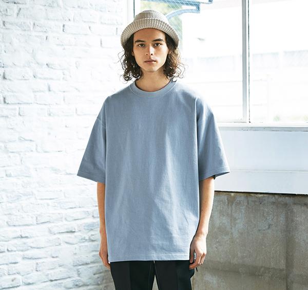 マグナムウェイトビッグシルエットTシャツの着用正面_男性