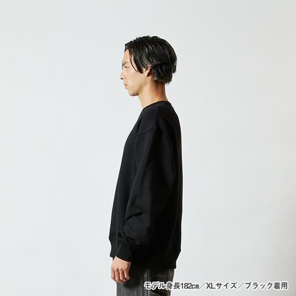 モデル身長182㎝/XLサイズ/ブラック 着用/サイドシルエット