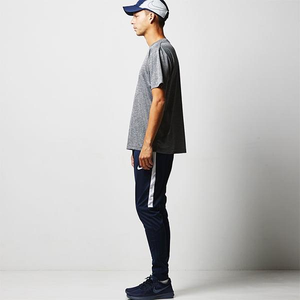 モデル身長182㎝/Lサイズ/ヘザーチャコール着用/サイドシルエット
