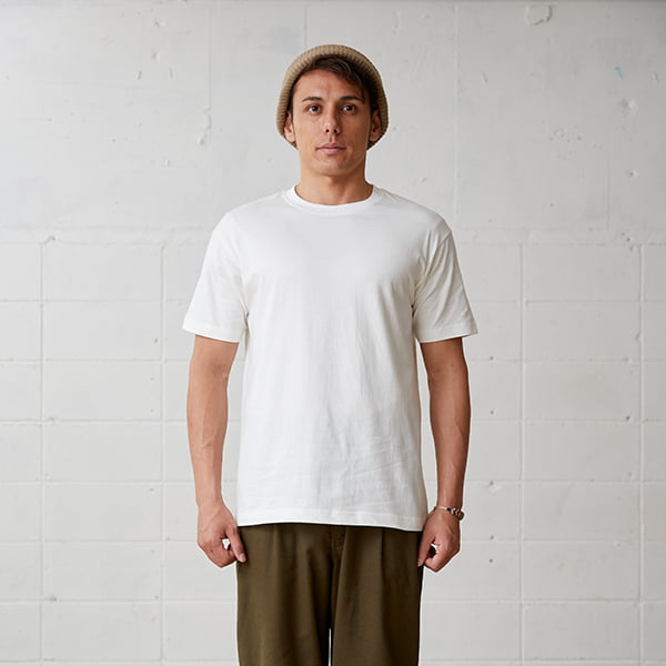 モデル身長178㎝/Lサイズ/ナチュラル着用/正面シルエット