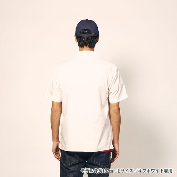 モデル身長182㎝/Lサイズ/オフホワイト 着用/背面シルエット