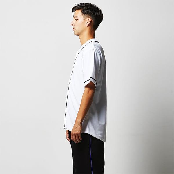モデル身長182㎝/Lサイズ/ホワイト・ネイビー着用/サイドシルエット