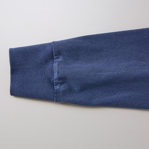 ピグメントダイロングスリーブTシャツの袖