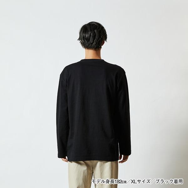 モデル身長182㎝/XLサイズ/ブラック着用/背面シルエット