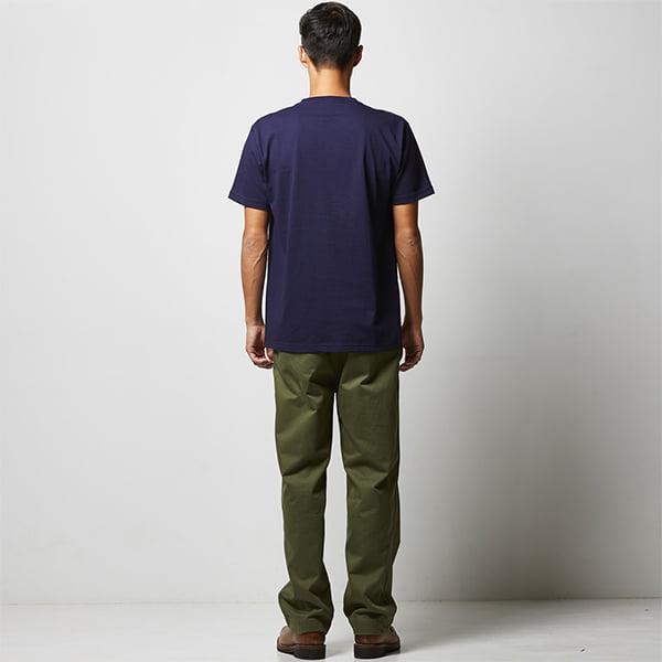 モデル身長182㎝/Lサイズ/ネイビー着用/背面シルエット