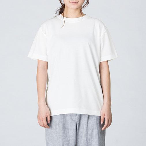 モデル:身長161cm、ホワイト/Sサイズ着用