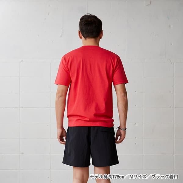 モデル身長178㎝/Mサイズ/ブラック 着用/背面