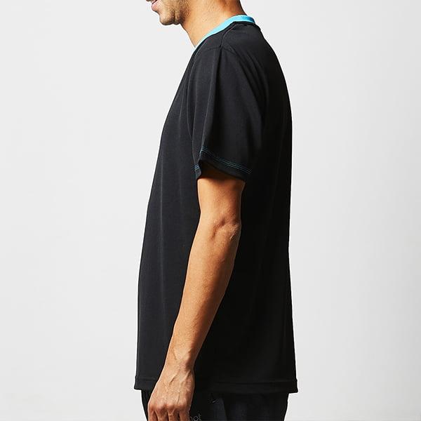 モデル身長182㎝/Lサイズ/ブラック-ターコイズブルー着用/サイドシルエット