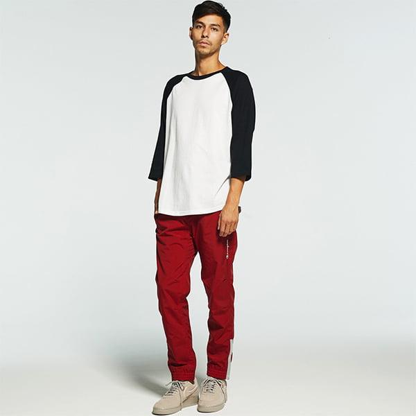 モデル身長182㎝/Lサイズ/ホワイト・ブラック着用/正面シルエット
