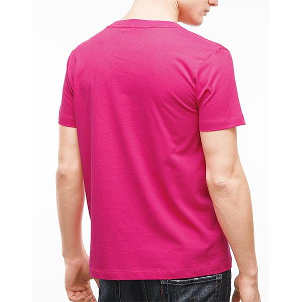 男性モデル身長178㎝/ショッキングピンク着用/背面シルエット