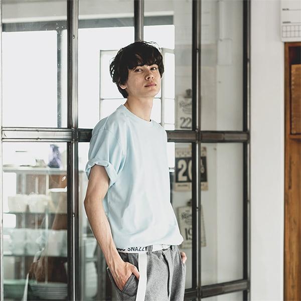 男性モデル身長178㎝/Lサイズ/ライトブルー着用