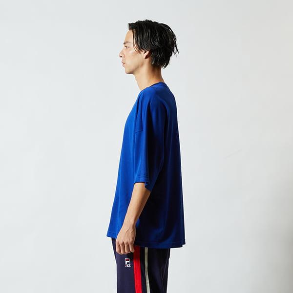 モデル身長182㎝/Lサイズ/マリンブルー着用/サイドシルエット