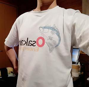 自分の屋号をTシャツにしました。 とっても着心地が良く満足してます。 印刷もシールを貼ったプリントかと思いましたが シャツにそのままプリントされていてきめ細やかに出来てました。10代・男性・Osakna さん