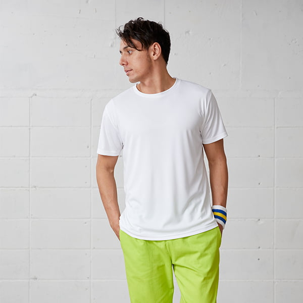 モデル身長178㎝/Lサイズ/ホワイト着用