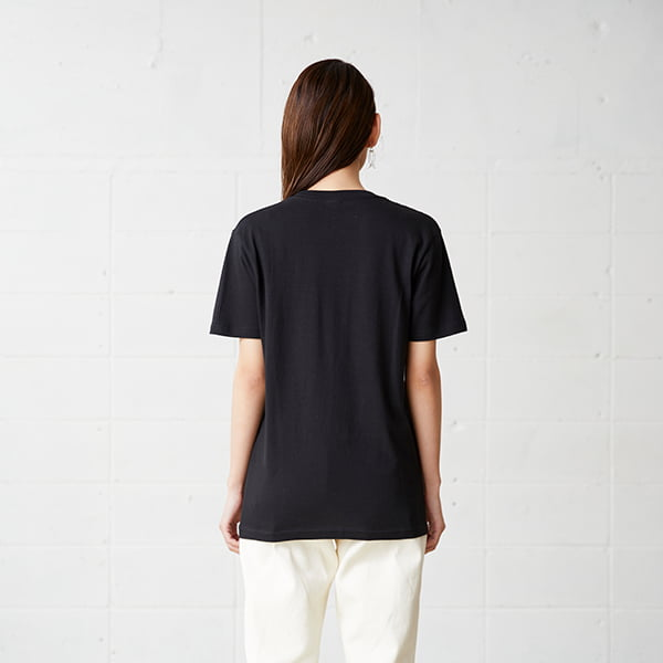 モデル身長163㎝/Sサイズ/ブラック着用/背面シルエット