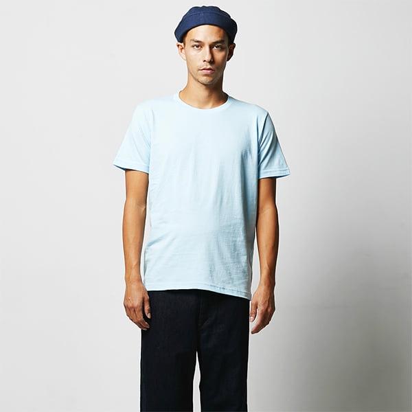 モデル身長182㎝/Lサイズ/ライトブルー着用/正面シルエット
