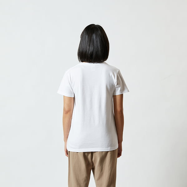 モデル身長160㎝/G-Mサイズ/ホワイト着用/背面シルエット