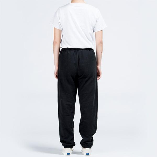 モデル身長161㎝/XSサイズ/ブラック着用/背面シルエット