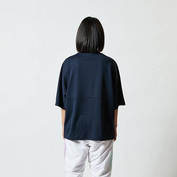 モデル身長160㎝/Sサイズ/ネイビー着用/背面シルエット