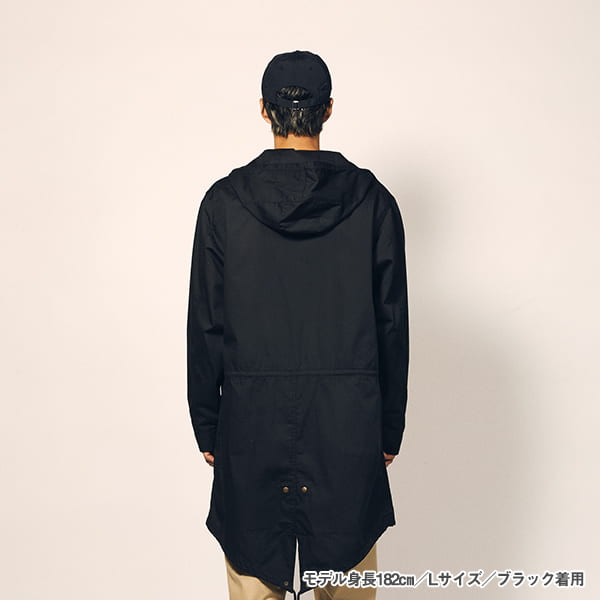 モデル身長182㎝/Lサイズ/ブラック 着用/背面シルエット