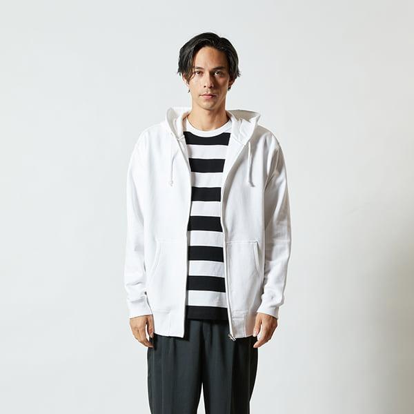 モデル身長182㎝/XLサイズ/ホワイト着用/正面シルエット