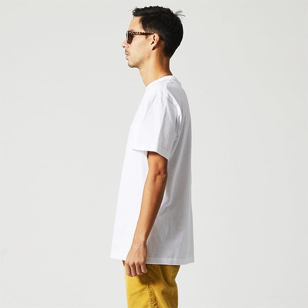 モデル身長182㎝/Lサイズ/ホワイト着用/サイドシルエット