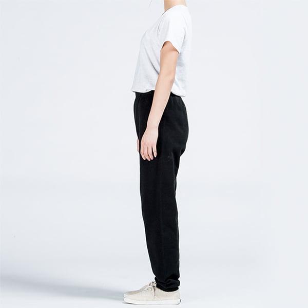 モデル身長161㎝/XSサイズ/ブラック着用/サイドシルエット