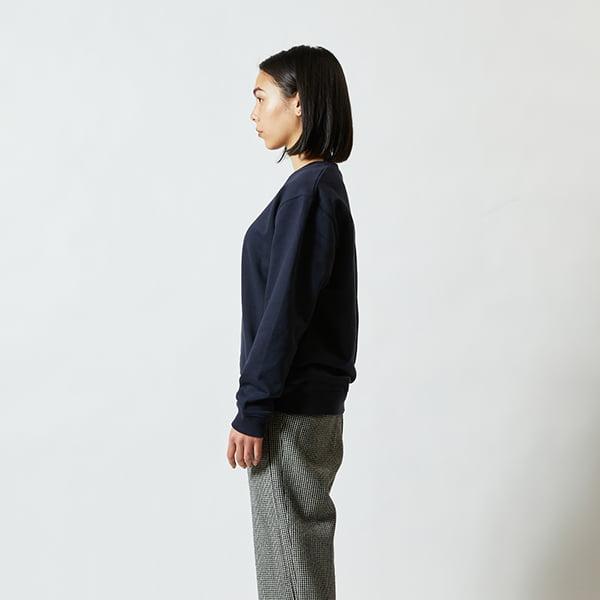 モデル身長160㎝/Sサイズ/ネイビー着用/サイドシルエット