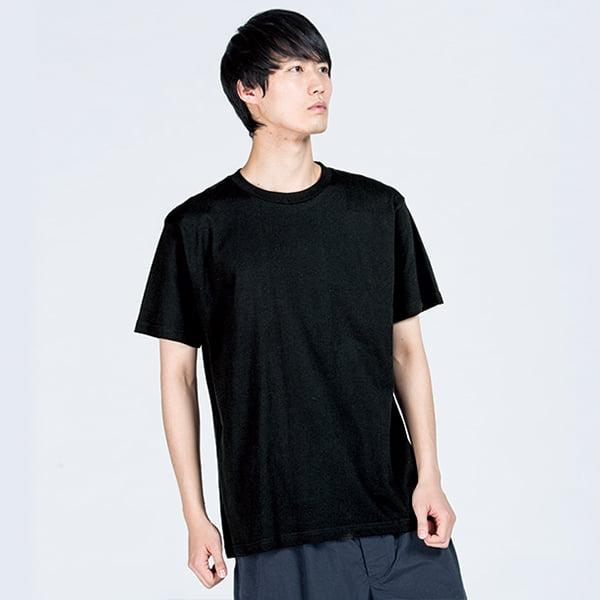 モデル身長182㎝/ブラック着用