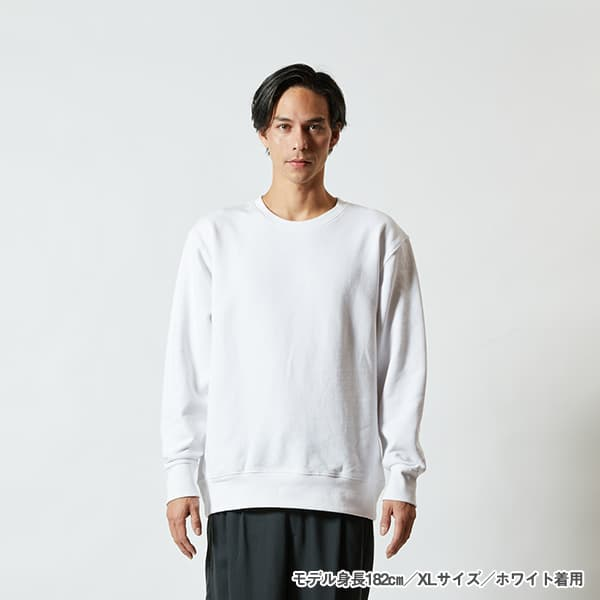 モデル身長182㎝/XLサイズ/ホワイト 着用/正面シルエット