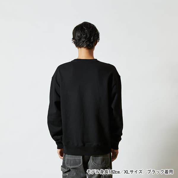 モデル身長182㎝/XLサイズ/ブラック 着用/背面シルエット