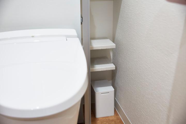 リフォームで設けたトイレ内の収納スペース
