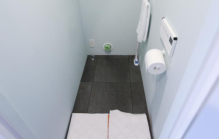 既存トイレ撤去後の様子