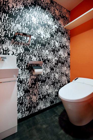 トイレを立体で考え、壁を活用する