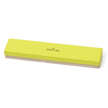 Thumb box n