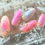 これだけでいいの?セルフネイルで夏らしい色っぽネイルにする方法のサムネイル画像