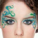 目は女性の魅力的な部分!アイシャドウの塗り方一つで魅了アップ!のサムネイル画像