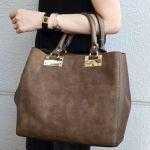 コーデをよりおしゃれに見せる、大人可愛いバッグをご紹介します!のサムネイル画像