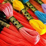 【簡単リメイク術】裁縫箱で使い道に困っている刺繍糸の使い方のサムネイル画像