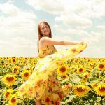 女性らしいイメージを持つ『黄色のドレス』で好感度アップを狙え!のサムネイル画像