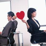 上司と恋愛関係になりたいと思った時に注意する事を6つまとめましたのサムネイル画像