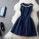冬のお呼ばれ服。結婚式、二次会のパーティドレスの着こなし方のサムネイル画像