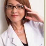 西川史子の髪型は女性らしく、そして才女の印象を与えます!のサムネイル画像